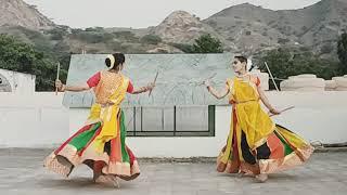 Navratri Special   Garba rass   Gori radha ne   Dholi Taro   Dance by Kavita & Neha  Sidhmayi Group.