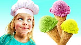 Майя играет в магазин мороженого