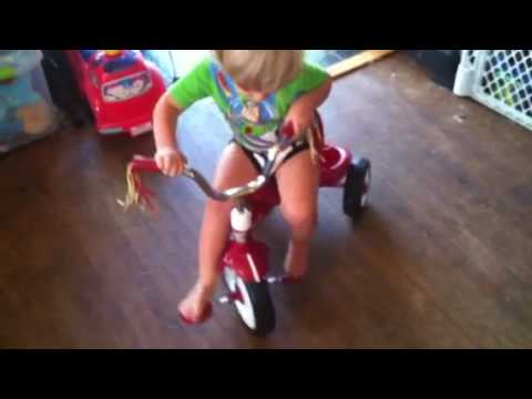 262352116401 further Trikes furthermore 171112452609 further 46597238 also 17716700. on tricycle radio flyer lights sounds racer