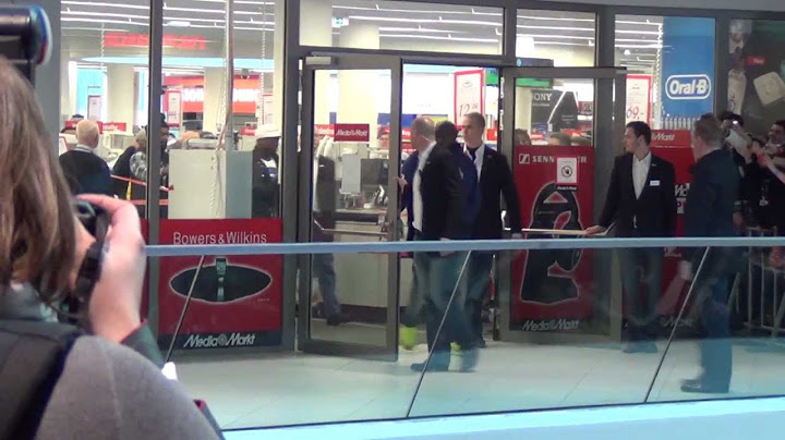 50 cent in vienna 2732013  kicked out from bodyguard