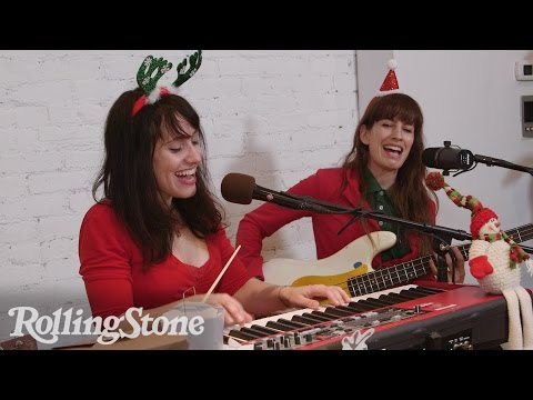 RS Holiday Playlist: Elizabeth and the Catapult Perform