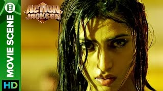Bollywood actress in tears | Action Jackson