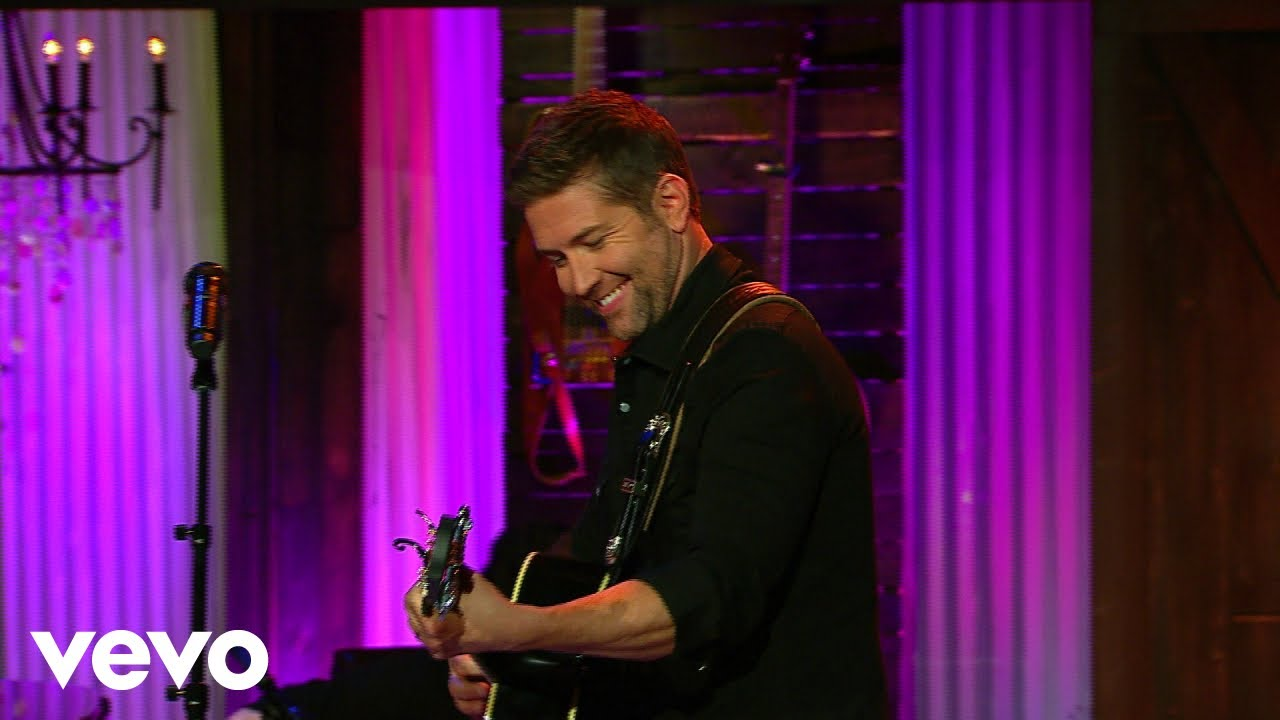 Josh Turner - Swing Low, Sweet Chariot (Live From Gaither Studios)