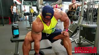 SERGIO OLIVA Jr  TRAINS ARMS AT THE MECCA