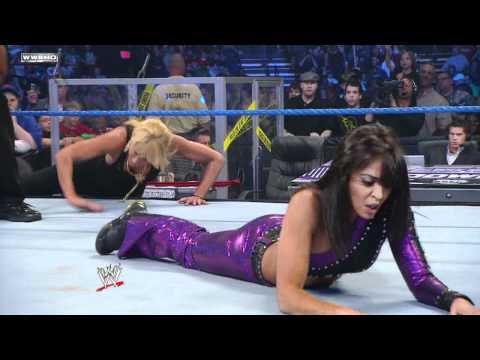 SmackDown: Kelly Kelly vs. Layla