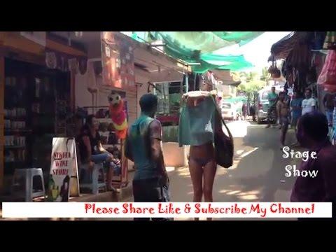 Viral Video,विदेशी लड़की ने खेली सेक्सी होली-2017, Tourist Girl Playing Sexy Holi in Goa thumbnail