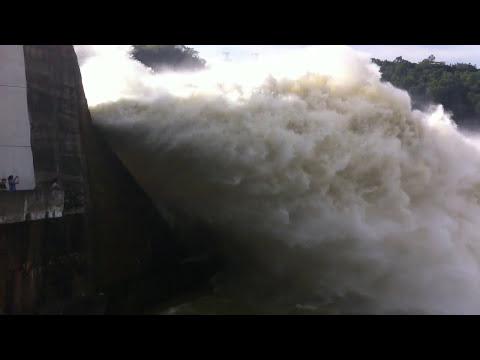 Thủy điện Hòa Bình xả nước Tuyệt đẹp ngày 02/08/2013