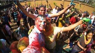 HOLI FESTIVAL & BEAUTIFUL BEACHES - India Vlog 002