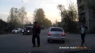 Легковушка влетела в дом - ДТП в Гусе-Хрустальном