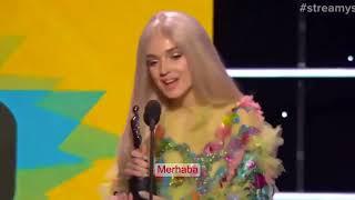 Poppy-Streamys Ödülleri |Türkçe Altyazılı|