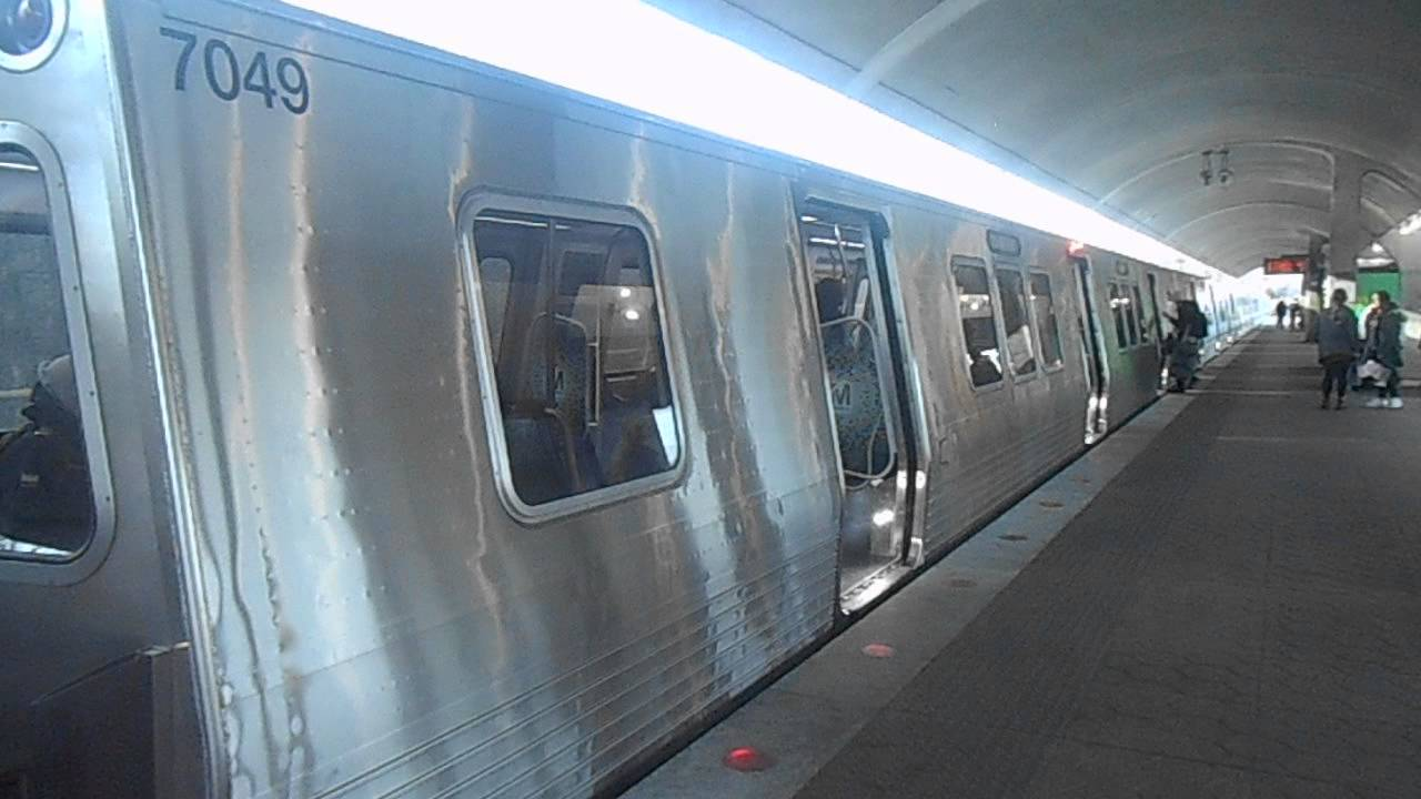 Why do the doors on Metro's 7000 series railcars take forever to