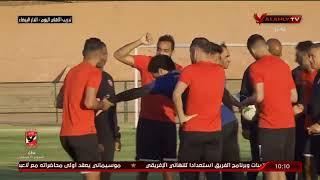 """شاهد.. احتفال لاعبو الأهلي بـ """"محمد شريف"""" بمناسبة قدوم مولوده """"شريف محمد شريف"""""""