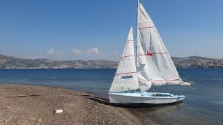 Motorsuz yelkenliyle Foça  seyri (Wayfarer dinghy cruising without an engine)