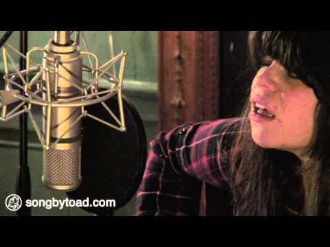 Samantha Crain - Paint (Toad Session) - YouTube