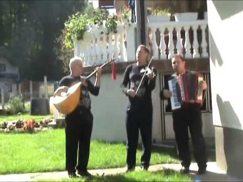 Izvori Srebrenika - Kraj ognjista majka place - (Official video 2010)