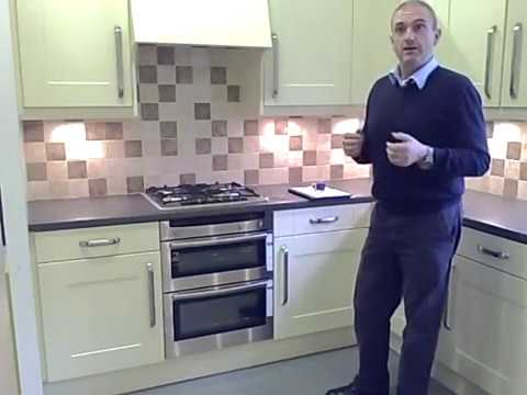 How to replace kitchen doors - measuring cornice, pelmet & plinth ...