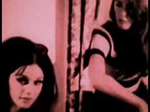 """Chelsea Girls"": mary woronov yells @ international velvet & ingrid superstar (subtitled)"