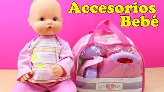 Bolso con 30 Accesorios para la muñeca Bebé | La Bebé nenuco come papilla y se baña en la bañera thumbnail