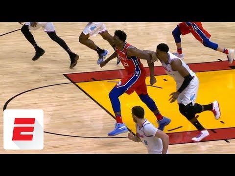 Hassan Whiteside accidentally hits himself in the face during tangle with Joel Embiid | ESPN