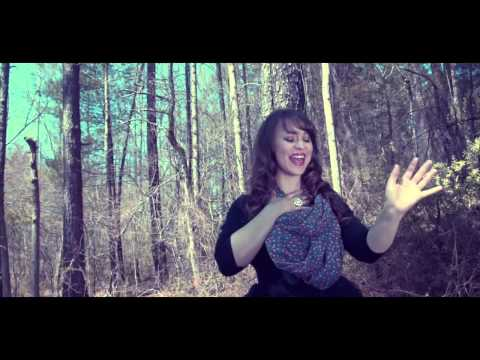 EL NOMBRE DE JESUS Video Oficial REDIMI2 feat  CHRISTINE D'CLARIO
