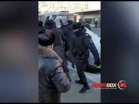 В Москве Депутат Госдумы от Приморья задержан на митинге против передачи Курильских островов