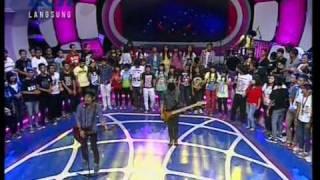 "Zivilia dgn hits ""Kokoronotomo"", perdana live di Dahsyat (13/03) (Courtesy RCTI)"