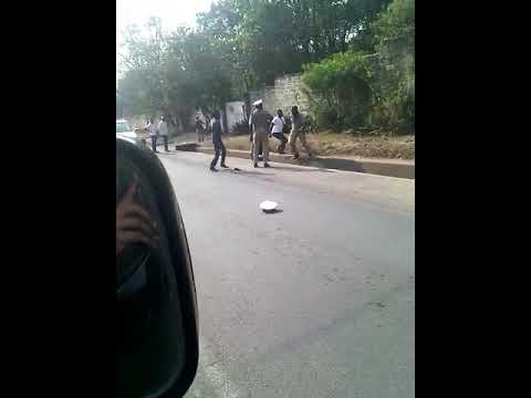 ZAMBIA: Traffic police in punch with motorist