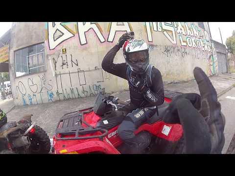 Pulando a lombada de quadriciclo + motocross