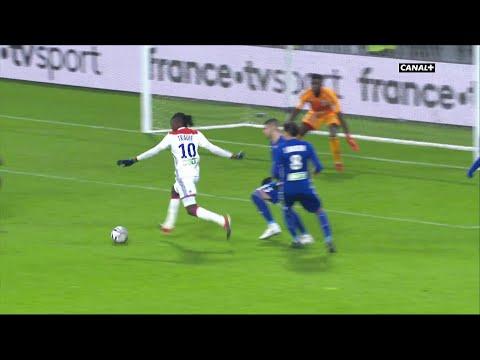 Bertrand Traoré égalise pour Lyon