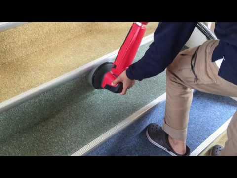 階段のカーペットの汚れを落とす方法