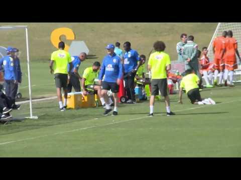 FUNNY Luiz Felipe Scolari Kicks Dani Alves in the Nuts at training World Cup 2014 Brazil