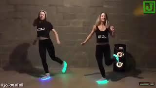 رقص على اغنية يابنت ميلي يسعدلي الفستان النيلي رقص روعة الوصف مهم حطو ﻻيك حبايبي