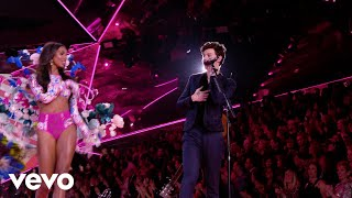 Download Video Shawn Mendes - Lost In Japan (Live From The Victoria's Secret 2018 Fashion Show) MP3 3GP MP4