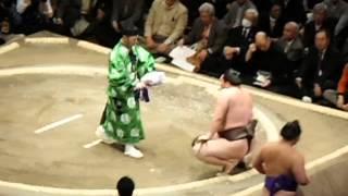 平成27年大相撲初場所 初日 白鵬vs栃煌山.