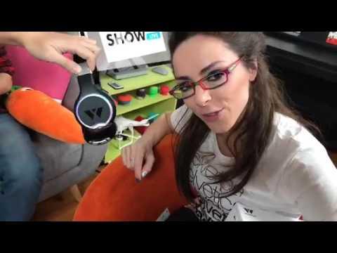 Katie Show Live - Wearhaus Wireless Audio Sharing Headphones