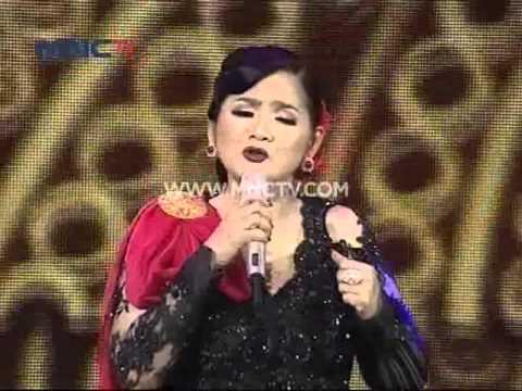 """Iyeth Bustami Feat. Vina Panduwinata """" Symphony yang Indah """" - Pahlawan Untuk Indonesia (10/11)"""