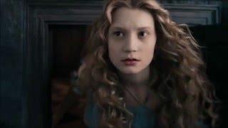 Трейлер с фильма Алиса в стране Чудес;)