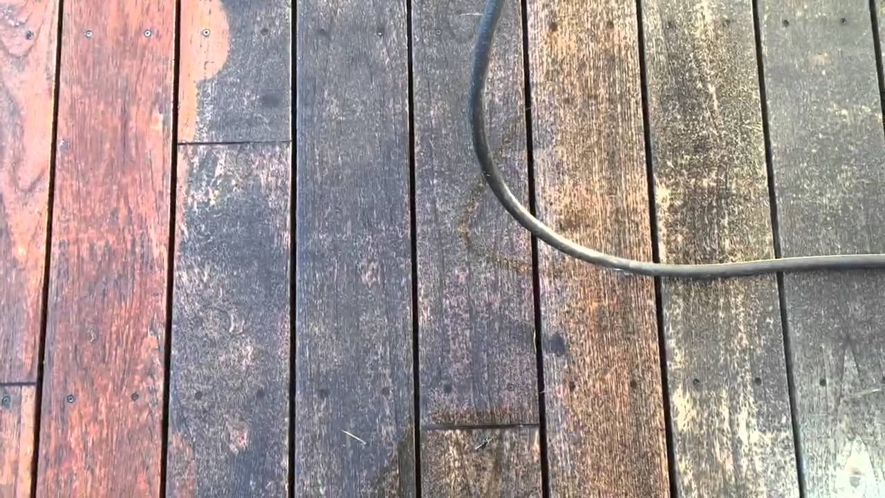 how to clean a wood deck without a power washer