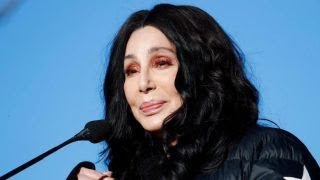 'Are you serious Cher?': Mike Huckabee rips singer for dissing Sarah Sanders' appearance