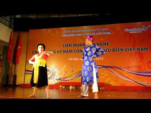 CTy Vinaphone Hội diễn VN 2012   Cù Thu Hương và Trần Minh Đức với LÝ TRƯỞNG VÀ MẸ ĐỐP