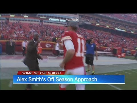 Chiefs QB Alex Smith keeps positive as NFL Draft looms