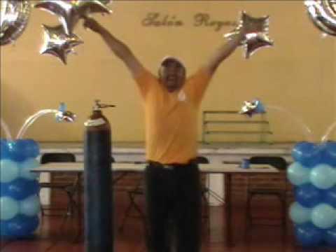 Decoracion con globos xv a os mesa de honor video 3 for Decoracion de globos para 15 anos