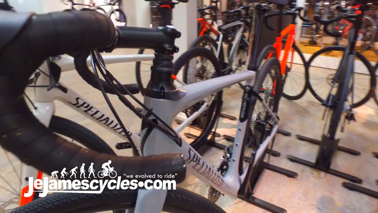 specialized diverge gravel road bike range 2018 youtube. Black Bedroom Furniture Sets. Home Design Ideas