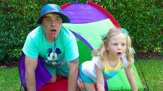 Stacy and dad ذهبوا في رحلة فيديو للأطفال