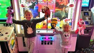 Новый Парк Развлечений Наш САМЫЙ ОБЫЧНЫЙ ДЕНЬ когда ПАПА Playground for kids  Sherman Oaks Castle