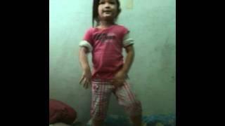 KAREL DANCE w/ SCANDAL SONG hehe!!!!