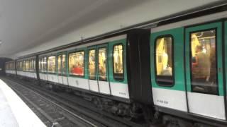 パリメトロ2号線MF2000系@シャルル・ド・ゴール=エトワール駅