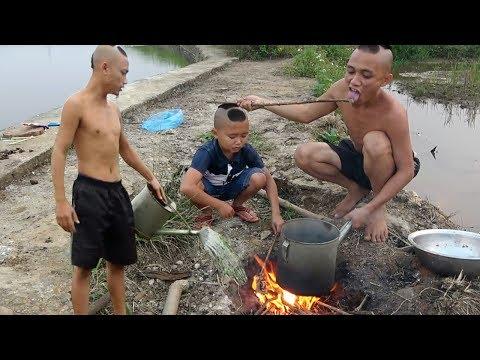 Ốc Bươu Xào Muối - Cạn Lời Với Dụng Cụ Nấu Ăn Của Anh Em Tao Mao