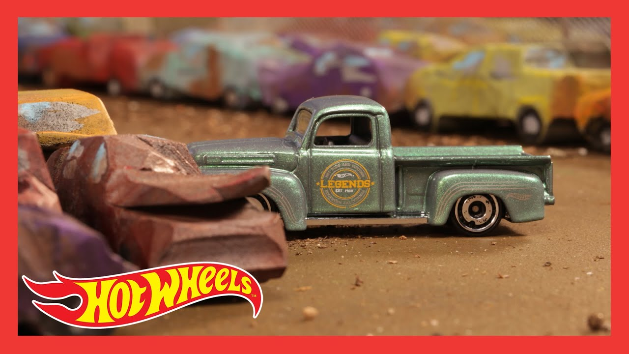 HW ROD SQUAD™ in BUILDING A NEW RIDE | @Hot Wheels