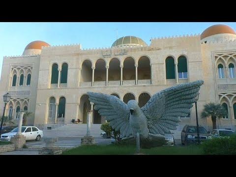 ليبيا: قصر ملكي يتحول لمعرض للخط العربي والزخرفة الإسلامية…